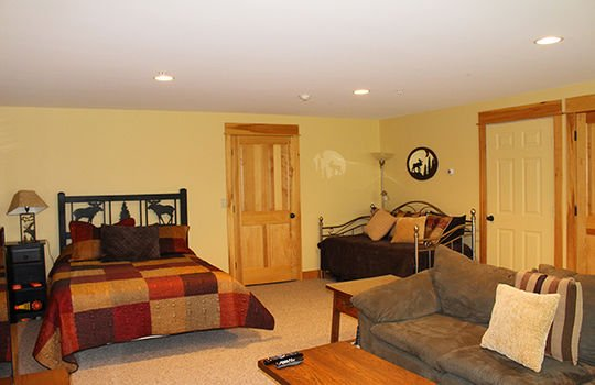Family room with beds lo res
