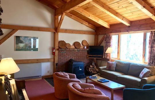 BWD 705 living room