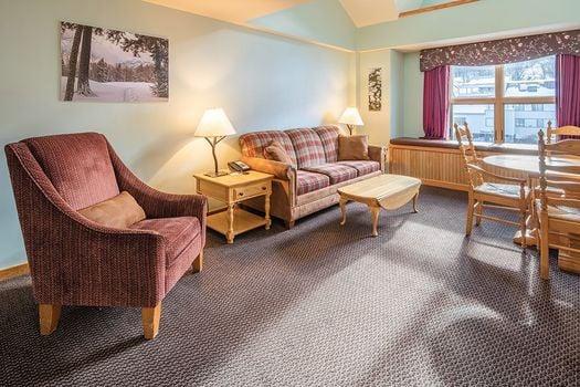 HTL 1 bedroom loft living area 533