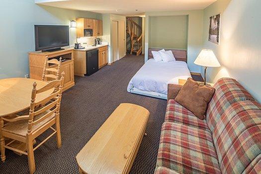 HTL 1 bedroom loft murphy bed 533
