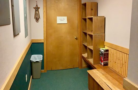TBW 454 entryway