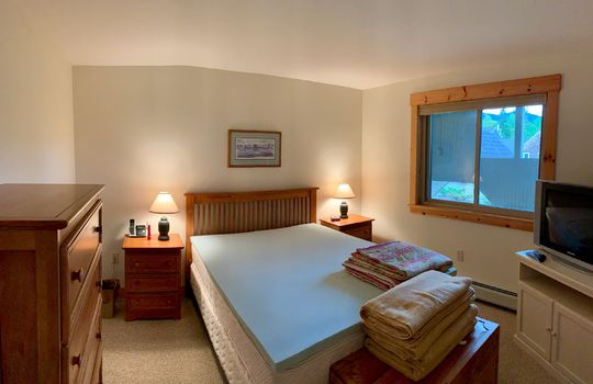 FLL 5039B bedroom