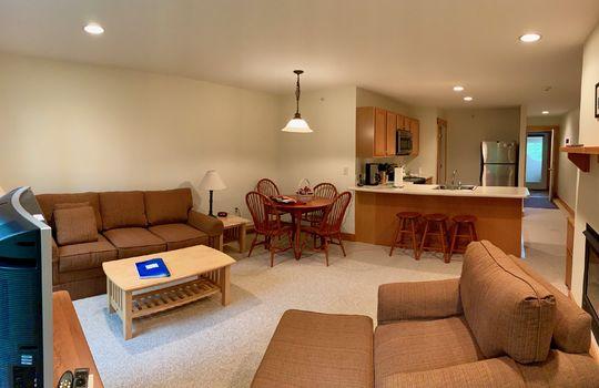 FLL 5039B living room