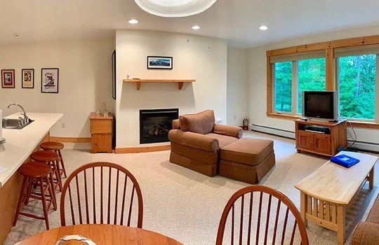 FLL 5039B living room pano