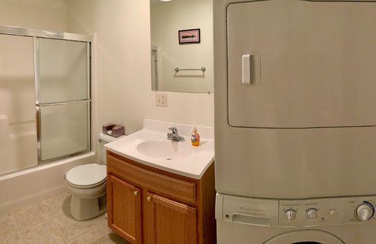 FLL 5039B bathroom
