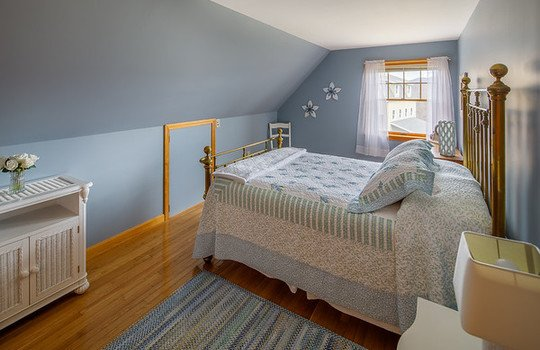 Farmington blue bed