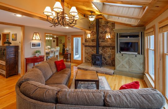 Farmington living room resize