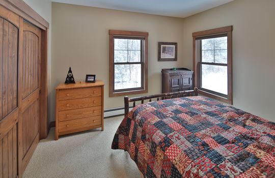 RVS 6005 SRC bedroom
