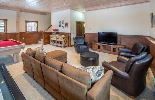 RVS 6005 SRC family room