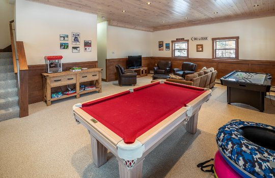 RVS 6005 SRC game room (2)