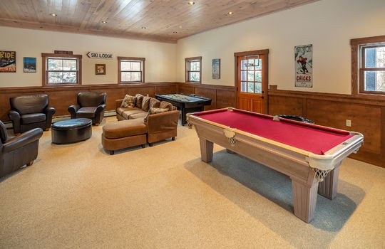 RVS 6005 SRC game room