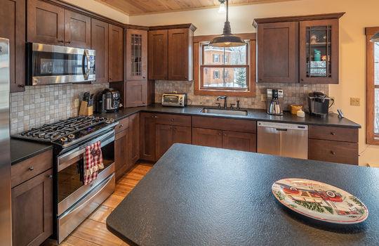 RVS 6005 SRC kitchen 2