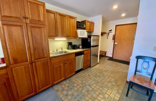 SGT 275 kitchen