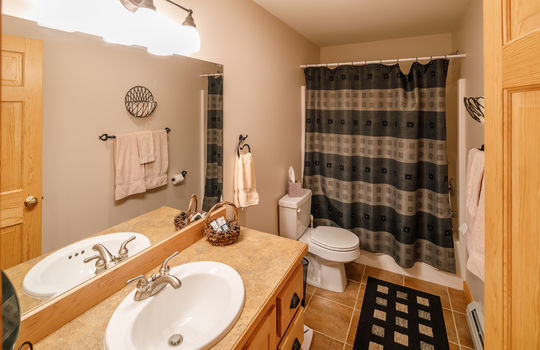 Timbers 7024 FTL bathroom