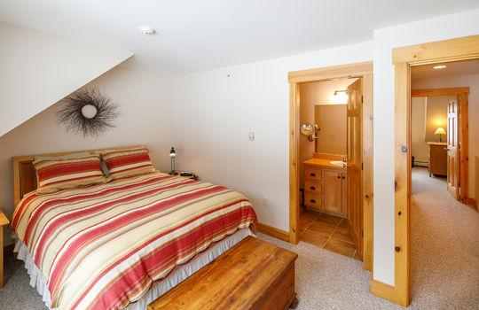 Timbers 7024 FTL bedroom 2 again