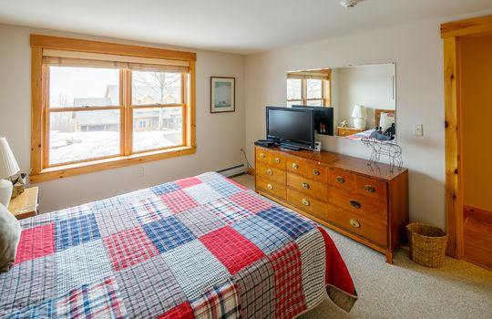 Timbers 7024 FTL bedroom angle