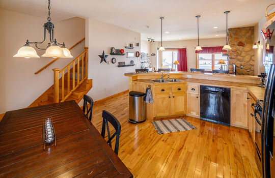 Timbers 7024 FTL kitchen 4