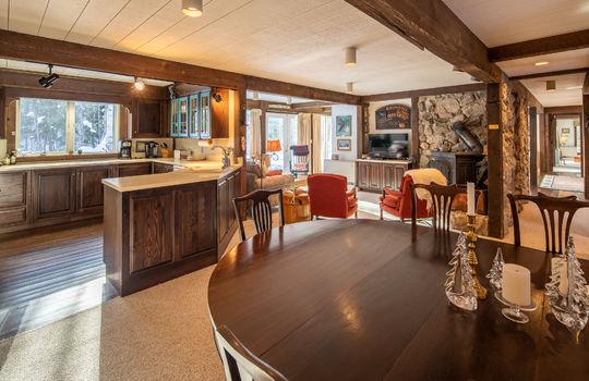 Woody Creek 5003 dining