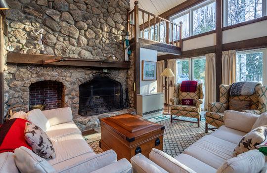 Woody Creek 5003 fireplace