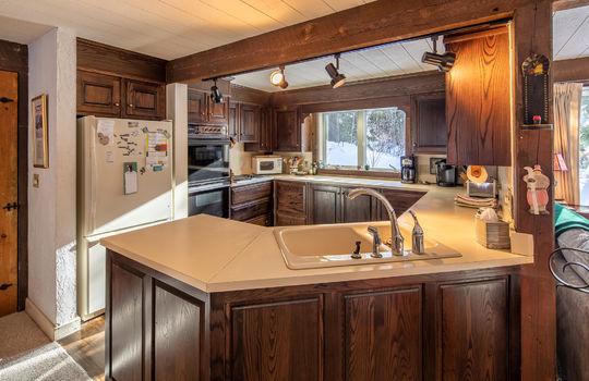 Woody Creek 5003 kitchen