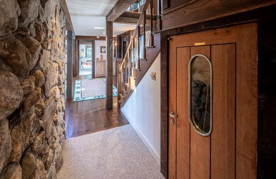 Woody Creek 5003 wine cellar