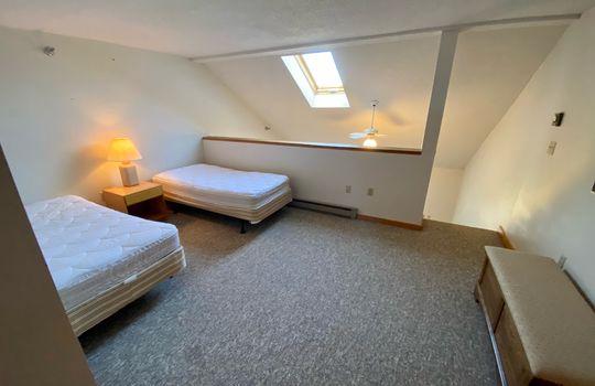 SBV 2714 loft bedroom