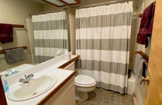 SGTI 370 bathroom 3