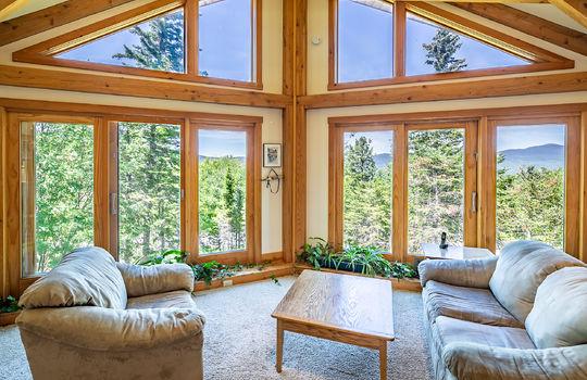 RVS 6045 RL  SITTING AREA WINDOWS