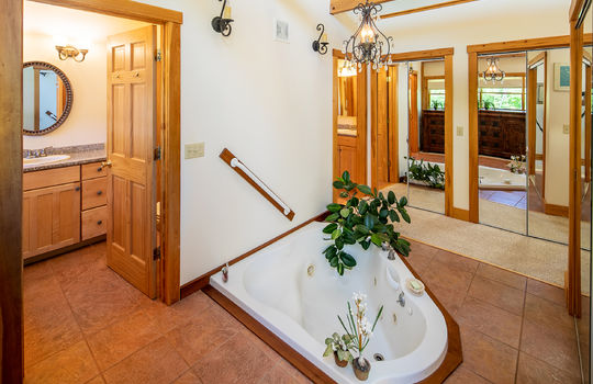 RVS 6045 RL  PRIMARY BATH 2