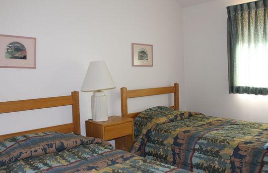 BIG 2151 BM twin beds bedroom
