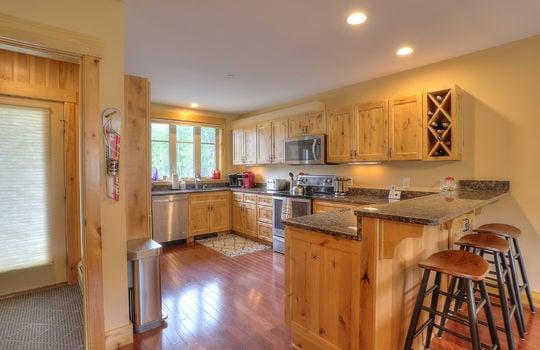 FLL 5033 Kitchen