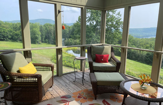 FRM 573 MH – Back Porch