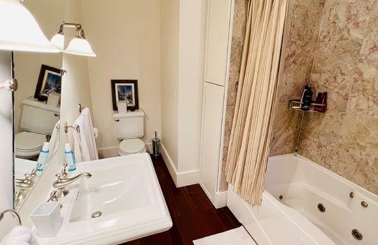17-2 BATHROOM MAIN FLOOR BEDROOM 2