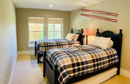 42 RVS 6065 SRC TWIN BED ROOM 1A