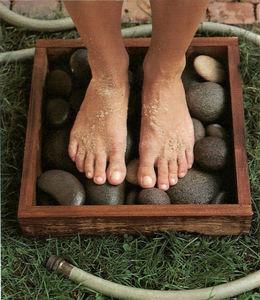 river-rock-foot-bath