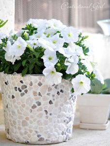 centsational-girl-paint-can-planter