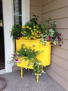 hometalk-sewing-cabinet-planter