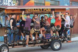 trolley-pub