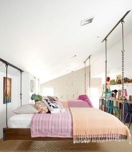 ree-drumonds-bedroom-hang-out