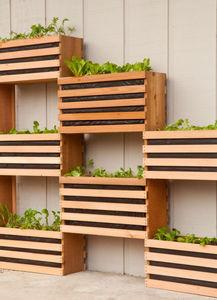 manmade-space-saving-vertical-vegetable-garden