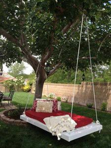 hanging-swing-bed-the-devoted-wife