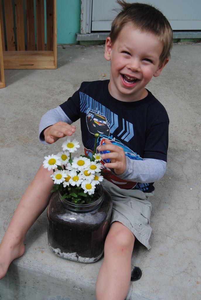 happy-nels-easy-gardening-with-kids