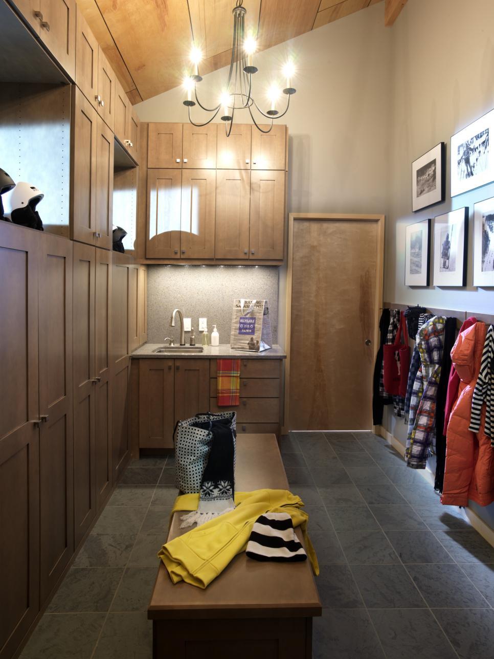 2011-hgtv-dream-home-locker-style-cabinetry