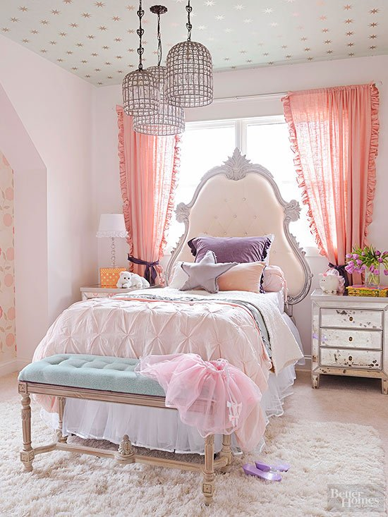 better-homes-and-gardens-star-wallpaper-on-ceiling