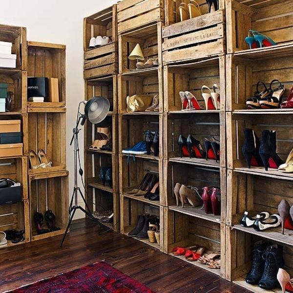 crate-show-shelf