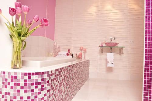 glitter-tile-in-bathroom