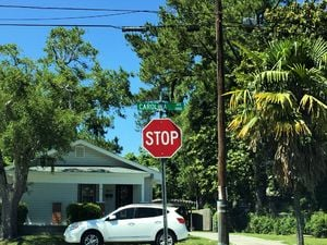 Carolina Place - Street Sign