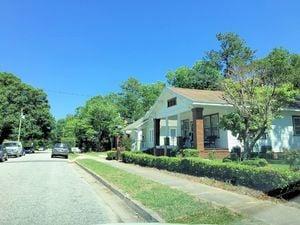 Carolina Place - Streetscape