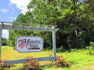 Majestic Oaks - Entrance Sign