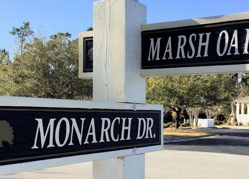 Marsh Oaks